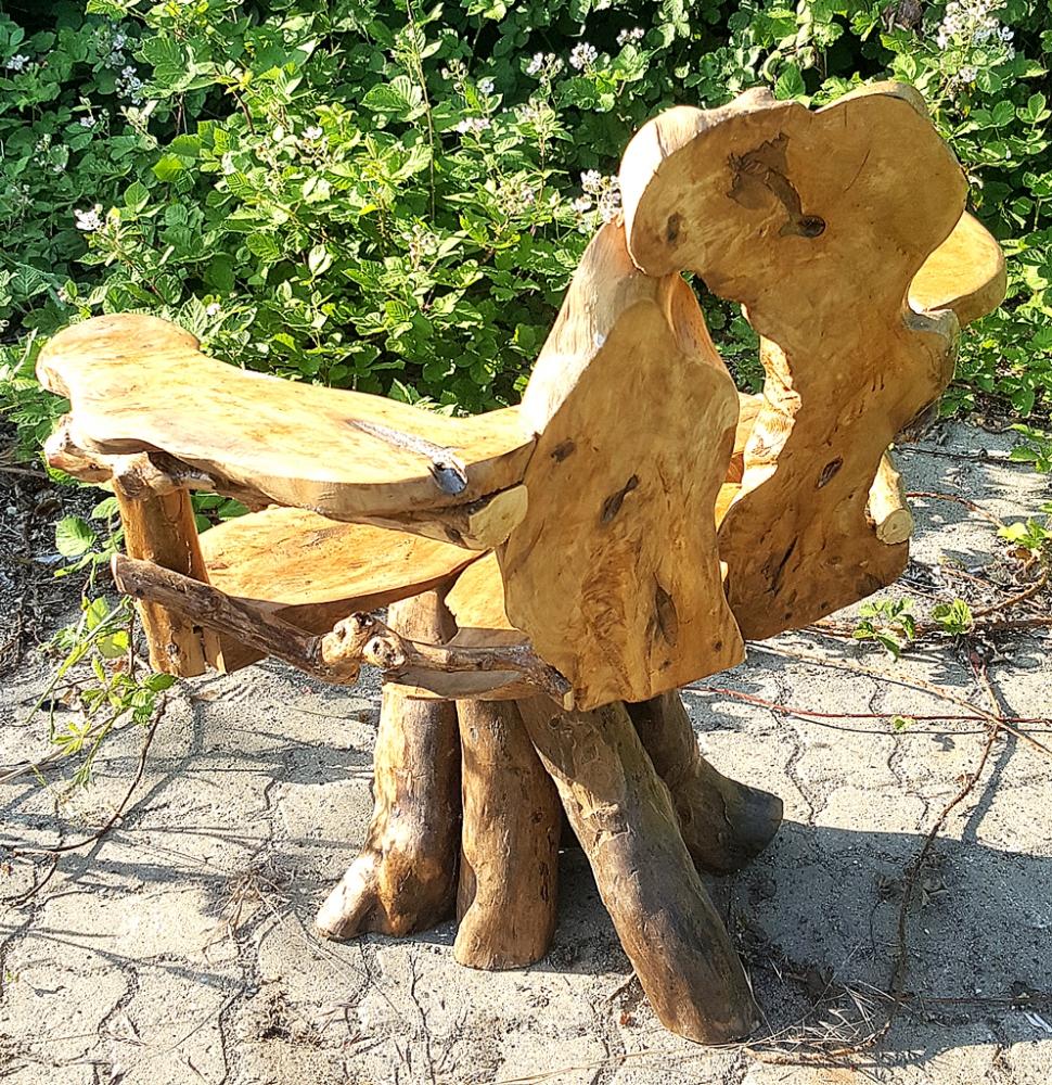 uriger Naturholz-Stuhl mit Armlehne, ca. 90cm