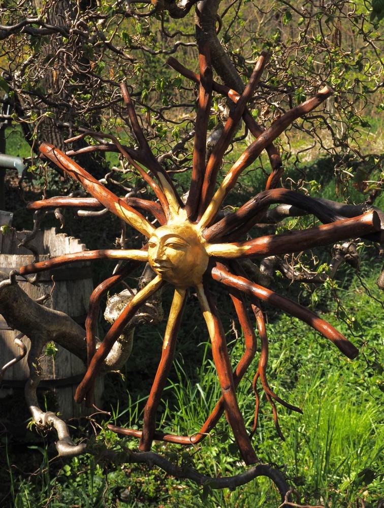 Baumwurzel mit  Sonne ,ca 60cm